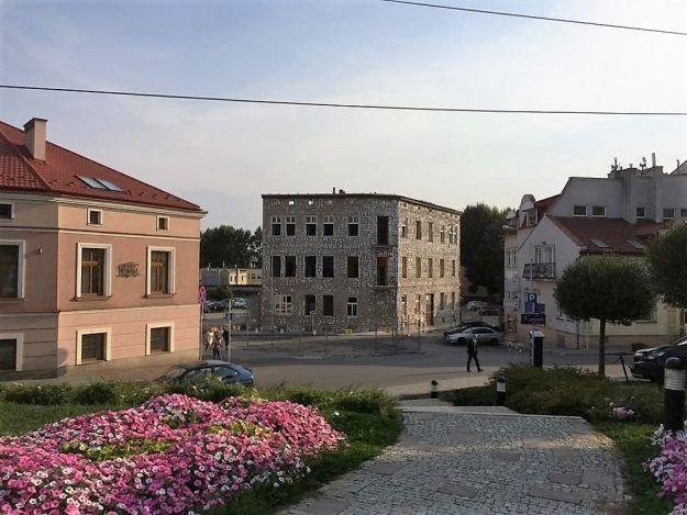 Aktualności Rzeszów | FOTO. Wyburzają kamienicę na Placu Garncarskim. To początek zmian wyglądu centrum Rzeszowa