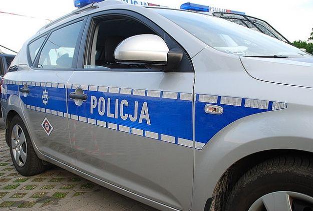 Aktualności Rzeszów | Pijany kierowca zasnął w aucie, blokując przejazd kolejowy
