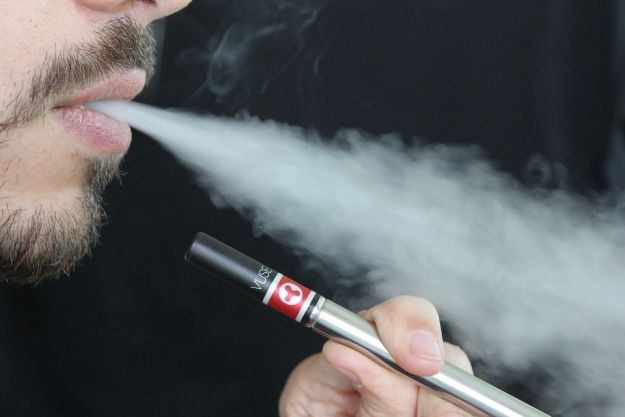 Aktualności Podkarpacie | Od wczoraj zakaz palenia e-papierosów w miejscach publicznych