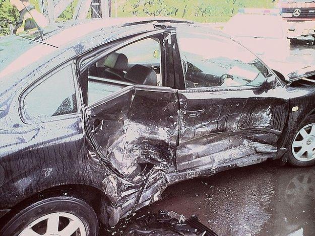 Aktualności Podkarpacie | Czołowe zderzenie w Przemyślu. 3 osoby trafiły do szpitala