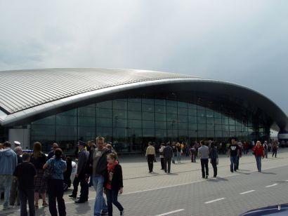 Aktualności Rzeszów | Pasażerowie już korzystają z nowego terminala