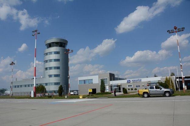 Aktualności Rzeszów | W sobotę święto rzeszowskiego lotniska i nocny bieg po pasie startowym