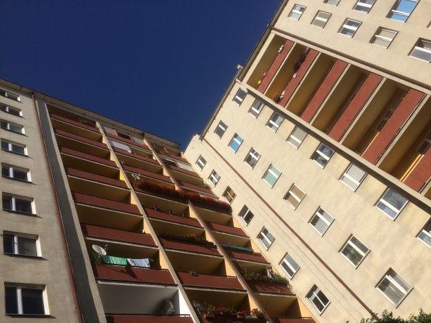 Aktualności Rzeszów   Mieszkańcy Zalesia nie chcą 18-piętrowych wieżowców a Park Nauki i Rozrywki. 40 protestujących na sesji Rady Miasta