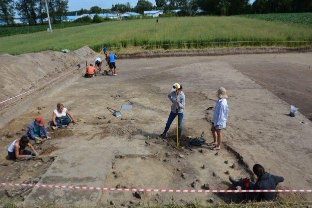 Aktualności Rzeszów | Pracownicy Uniwersytetu Rzeszowskiego dokonali niezwykłego odkrycia archeologicznego