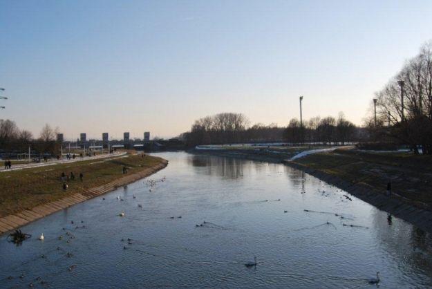 Aktualności Rzeszów | Zielona woda w Wisłoku. Skąd się wzięła?