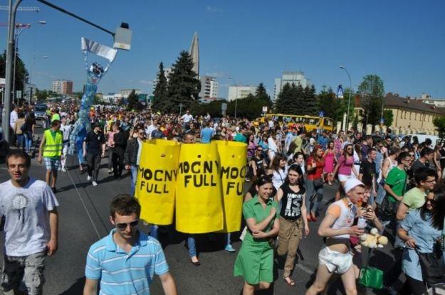 Aktualności Rzeszów | Przemarsz korowodu studentów. Będą utrudnienia w ruchu (TRASA)