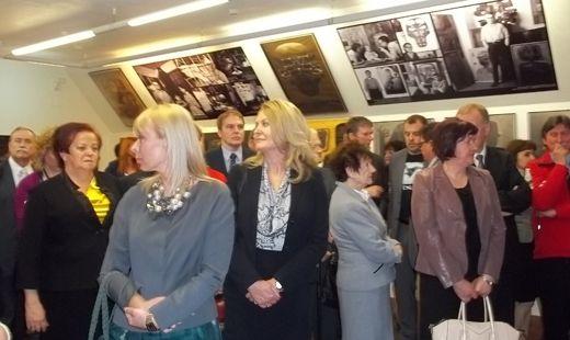 Aktualności Podkarpacie | Tłumy na otwarciu Galerii Zdzisława Beksińskiego