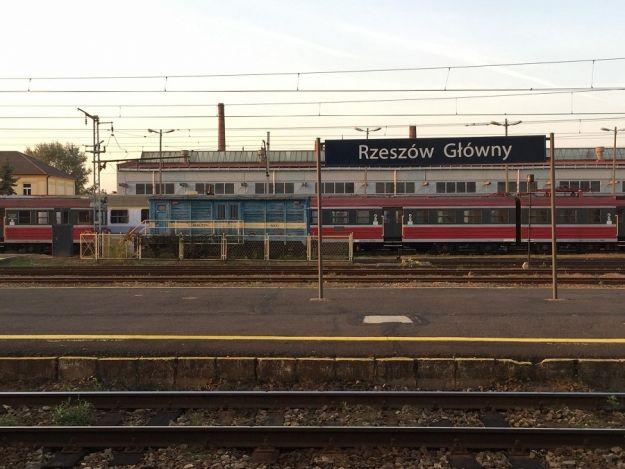 Aktualności Podkarpacie   Więcej pociągów z Przemyśla i Rzeszowa do Warszawy i Krakowa. Nowy rozkład PKP Intercity od 10 grudnia