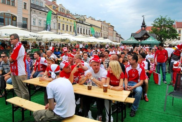 Aktualności Rzeszów | STREFA PIŁKI na rzeszowskim Rynku (FOTO)