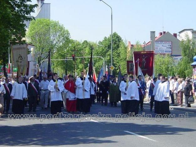 Aktualności Rzeszów | Utrudnienia w ruchu podczas procesji