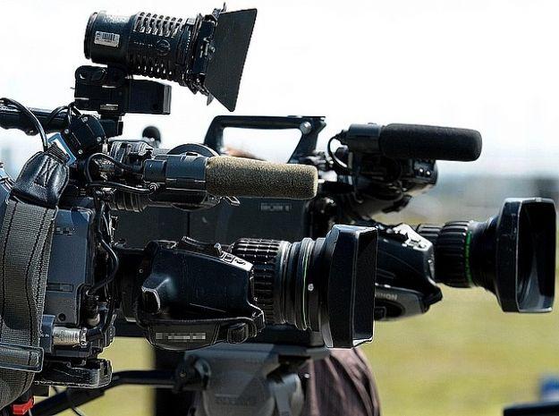 Aktualności Podkarpacie | Kierowca busa odnalazł sprzęt brytyjskich dziennikarzy