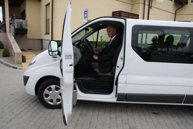 Aktualności Podkarpacie | Stacja dializ w Mielcu ma nowe auto