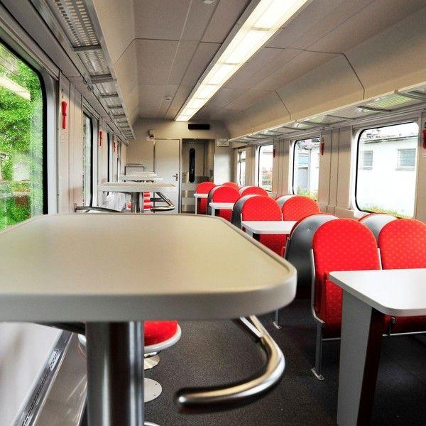 Aktualności Rzeszów | Dziś pokaz nowych wagonów PKP Intercity. W programie wejście do kabiny maszynisty, zabawy, upominki i konkursy