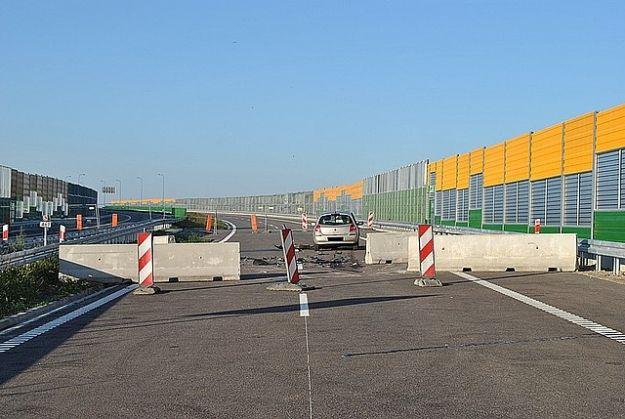 Aktualności Rzeszów | Uderzył w betonowe zapory na budowanej S-19
