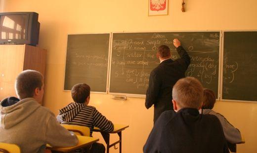 Aktualności Podkarpacie | 812 nauczycieli zostanie zwolnionych. 2678 straci godziny