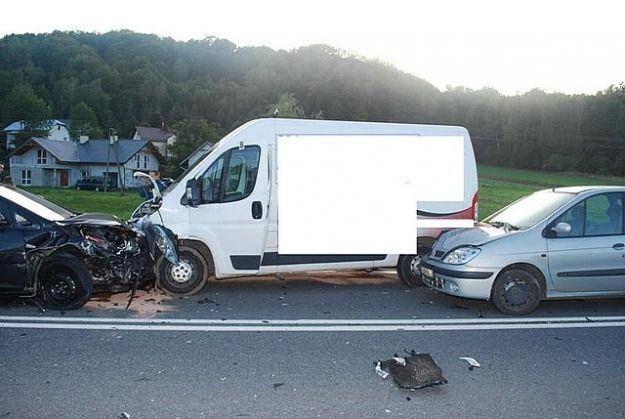 Aktualności Podkarpacie | 6 samochodów zderzyło się w Baryczce