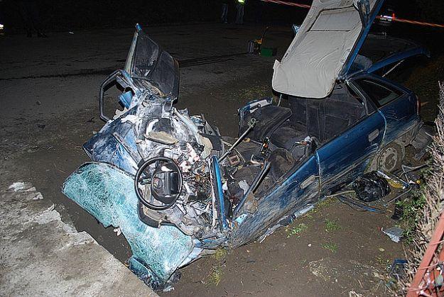 Aktualności Podkarpacie | 2 osoby zginęły w wypadku w Dobrucowej