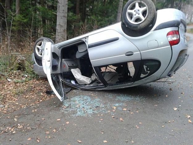 Aktualności Podkarpacie | Stracił panowanie na pojazdem i uderzył w drzewo