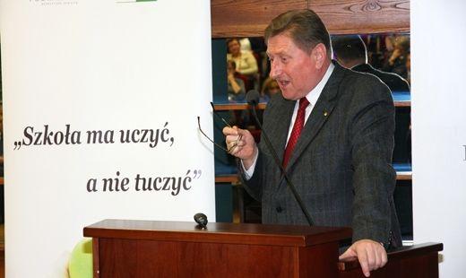 Aktualności Rzeszów | Szkoła ma uczyć, a nie tuczyć