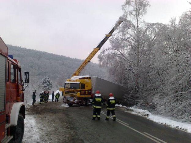 Aktualności Podkarpacie | Tir zablokował drogę w Olszanach