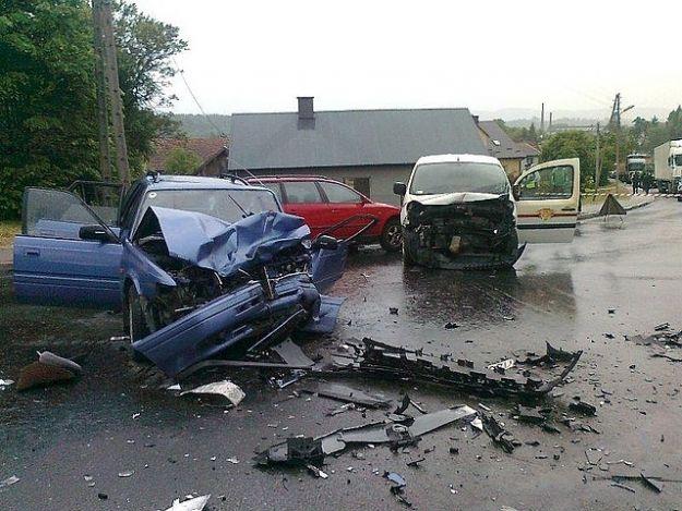 Aktualności Podkarpacie | Trzy samochody zderzyły się w Strzyżowie