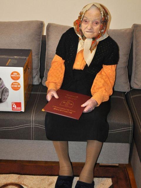 Aktualności Podkarpacie | Ma sto lat, czyta bez okularów i nie bierze lekarstw