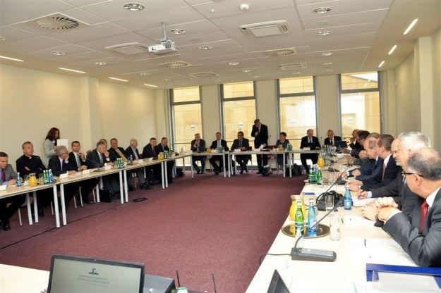 Aktualności Rzeszów | Rektorzy 20 polskich uczelni debatowali w Rzeszowie