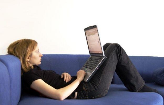Aktualności | Praca zdalna przez Internet – czy warto?