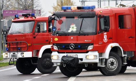 Aktualności Podkarpacie | Blisko 100 strażaków gasiło warsztat samochodowy i dwa poddasza