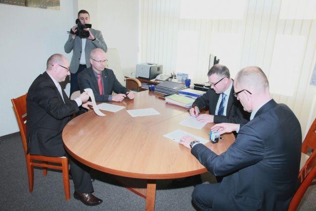 Aktualności Rzeszów | W Jasionce powstanie Centrum Wystawienniczo-Kongresowe. Umowa podpisana