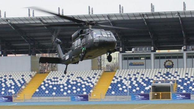 Aktualności Podkarpacie | Black Hawk nad mieleckim stadionem