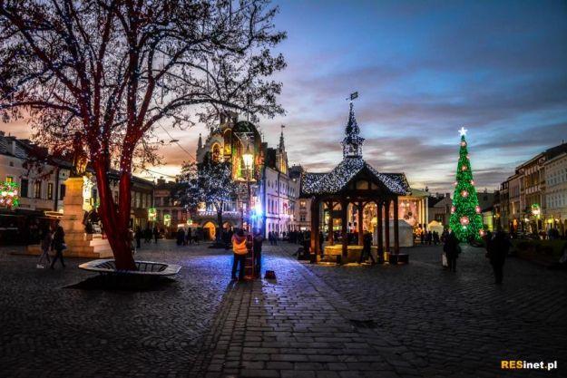 FOTO. Ruszyło Świąteczne Miasteczko. Rynek zaświecił