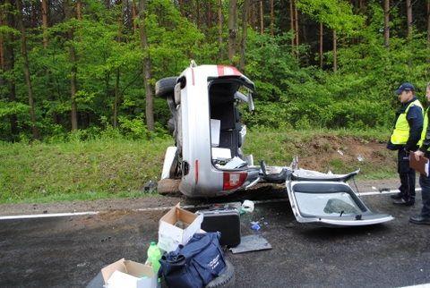 Czołowe zderzenie na trasie Nisko-Nowosielec - Aktualności Podkarpacie