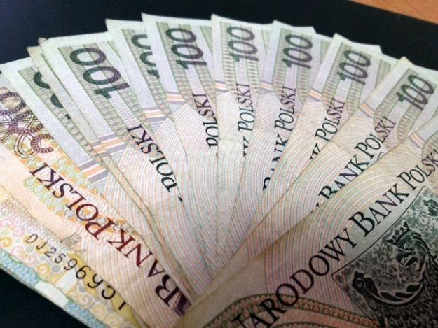 Znaleźli zabetonowaną gotówkę - 130 tys. zł - Aktualności Rzeszów