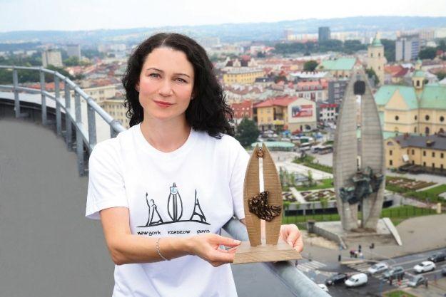 Nowe pamiątki z Rzeszowa z symbolem pomnika - Aktualności Rzeszów