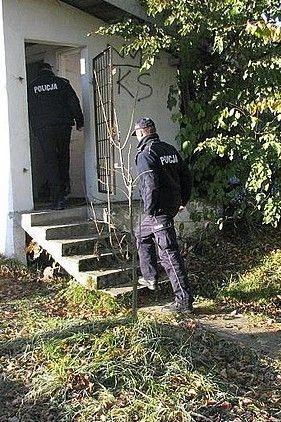 Kontrole policyjne! Sprawdzają pustostany - Aktualności Podkarpacie