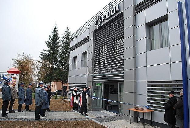 (FOTO) Oficjalne oddanie do użytku nowego komisariatu - Aktualności Rzeszów