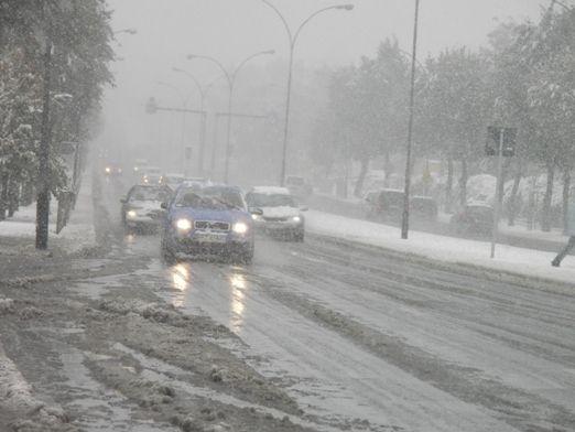 Uwaga kierowcy! Złe warunki drogowe! - Aktualności Podkarpacie