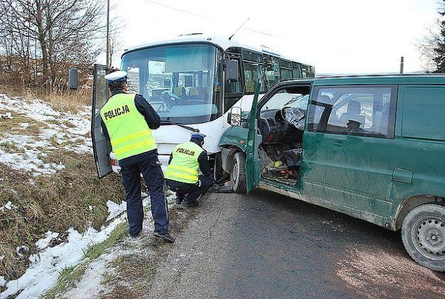 Poranny wypadek w Szklarach. 10 osób rannych! - Aktualności Podkarpacie