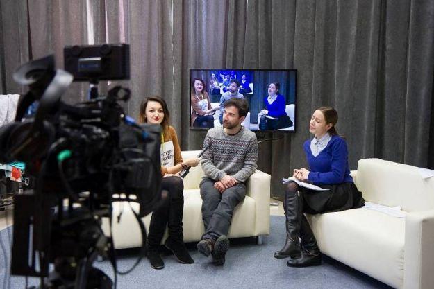 FOTO. Studenci dziennikarstwa mają nowoczesne studio telewizyjne - Aktualności Rzeszów