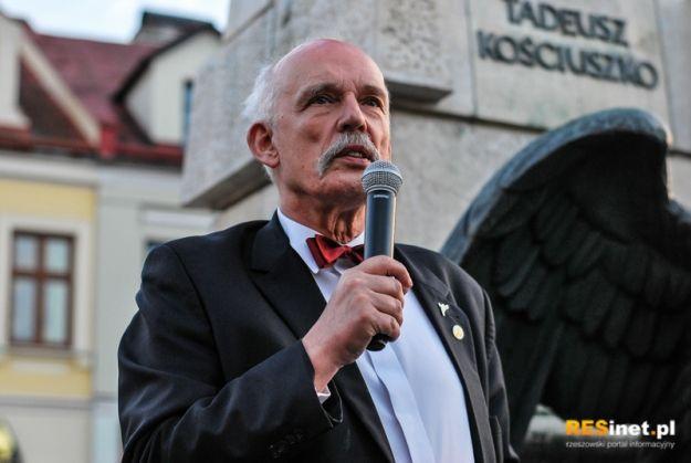 FOTO/VIDEO: Korwin-Mikke przemawiał do wyborców na rzeszowskim Rynku - Aktualności Rzeszów