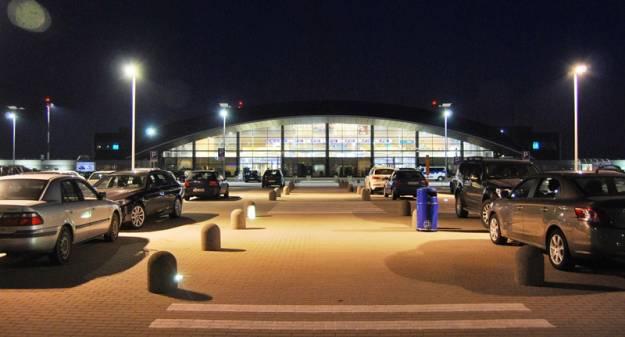 Coraz więcej pasażerów na lotnisku w podrzeszowskiej Jasionce - Aktualności Rzeszów
