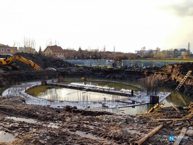 FOTO. Zobacz, jak powstaje nowa miejska atrakcja. Trwa rozbudowa Parku Papieskiego - Aktualności Rzeszów