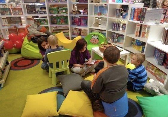 Dla najmłodszych. Dziś czytanie dzieł literatury dziecięcej - Aktualności Rzeszów