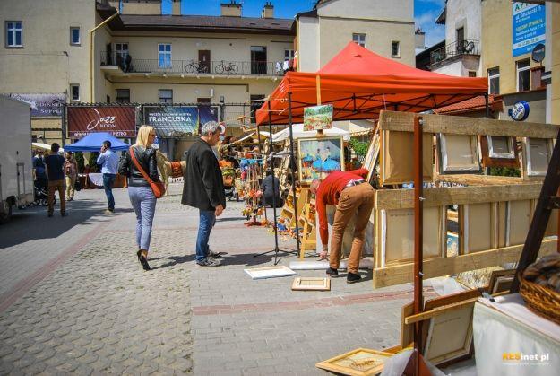 Kilkudziesięciu wystawców na Jarmarku na Różance - Aktualności Rzeszów
