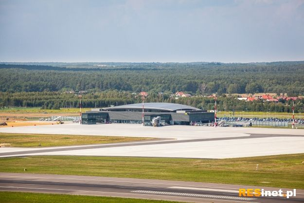 Trwa przebudowa drogi startowej w porcie lotniczym Rzeszów-Jasionka - Aktualności Rzeszów
