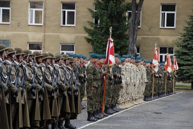 FOTO. Rzeszowscy żołnierze wrócili z misji w Afganistanie - Aktualności Rzeszów