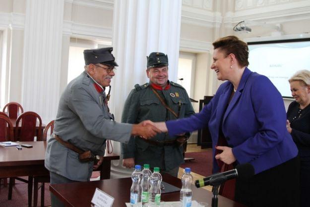 FOTO. Minister kultury i dziedzictwa narodowego z wizytą w Rzeszowie - Aktualności Rzeszów