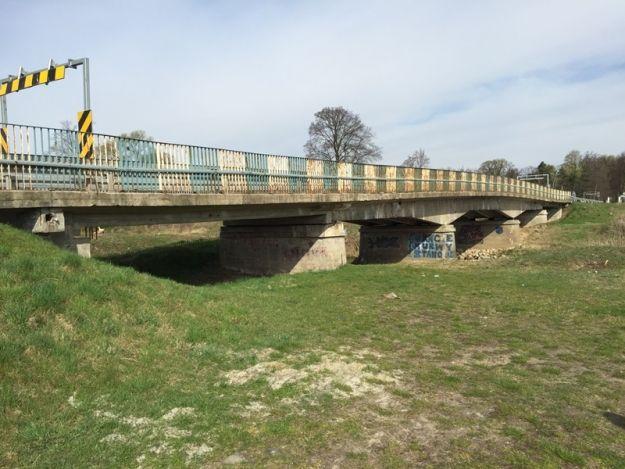 Rośnie kolejny imponujący most na Podkarpaciu. Zobacz, jak wyglądała stara przeprawa  - Aktualności Podkarpacie