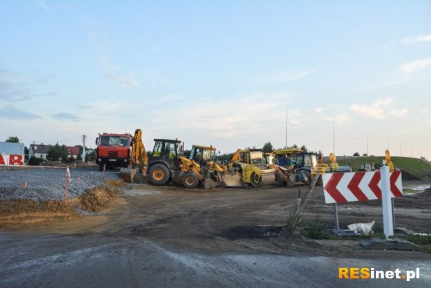 Uwaga kierowcy! Utrudnienia w ruchu. Kolejny etap budowy drogi lotniskowej - Aktualności Rzeszów